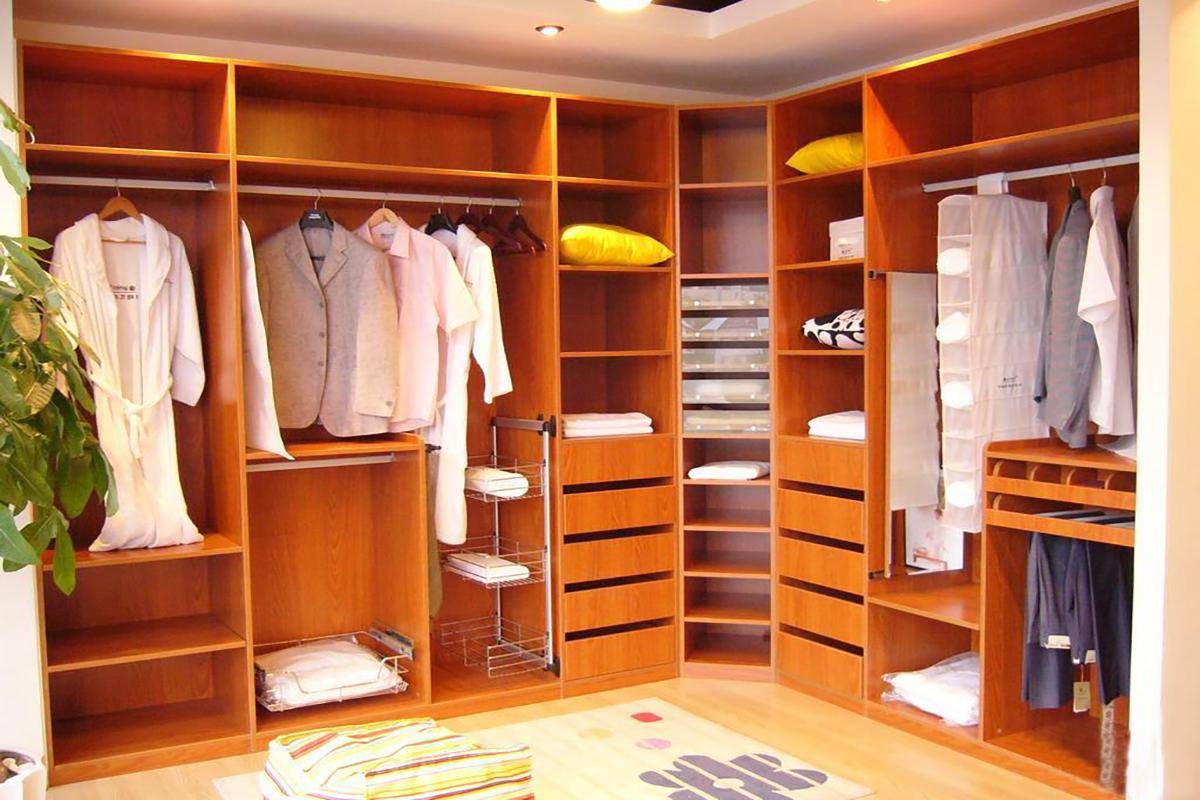 Угловой шкаф: 128 фото установки в разных комнатах и интерье.